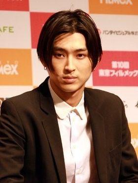 松田翔太、「抜け出したいところは一緒」と役に共感