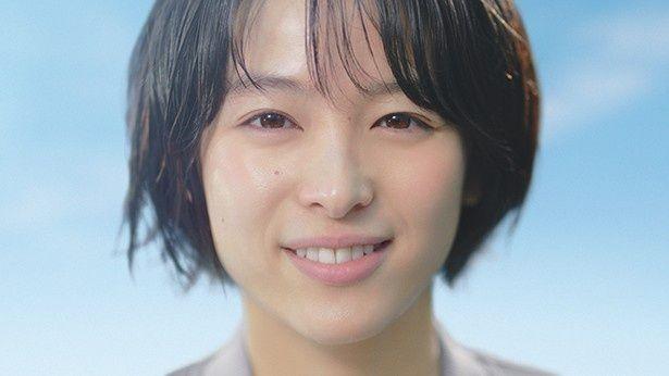 清野菜名が「アクエリアス クリアウォーター」の新テレビCMに出演