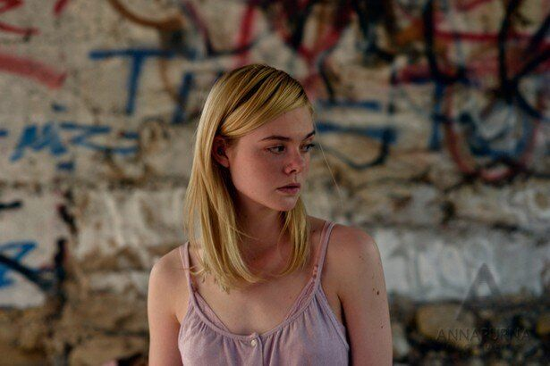 複雑な家庭で育った少女を演じたエル・ファニング(『20センチュリー・ウーマン』)