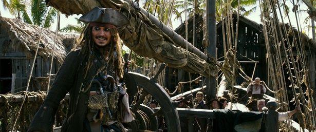 ジョニー・デップの主演作『パイレーツ・オブ・カリビアン/最後の海賊』が7月1日(土)より公開!