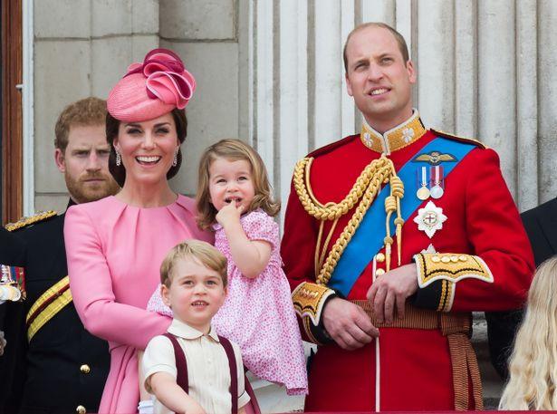 英国王室が家族で欧州ツアーヘ