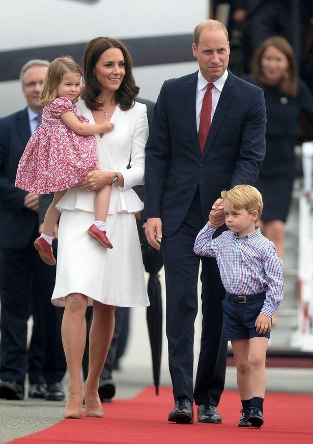ジョージ王子とシャーロット王女、ポーランド、ドイツ訪問ツアー開始