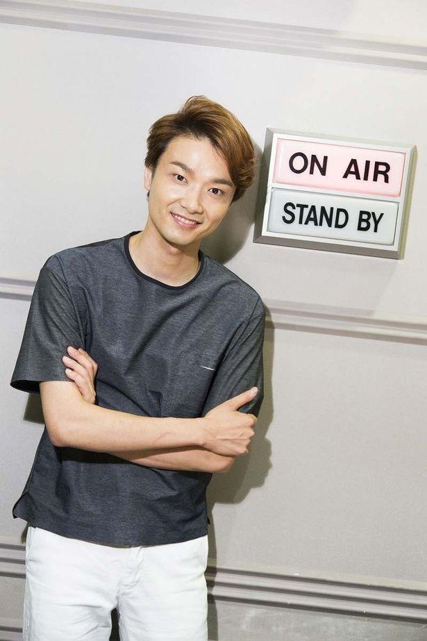 TBSラジオ「井上芳雄 by MYSELF」で生歌を披露している井上芳雄