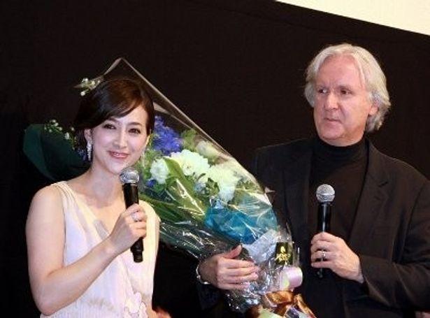 滝川クリステルがジェームズ・キャメロン監督に『アバター』の感想を熱くアピール