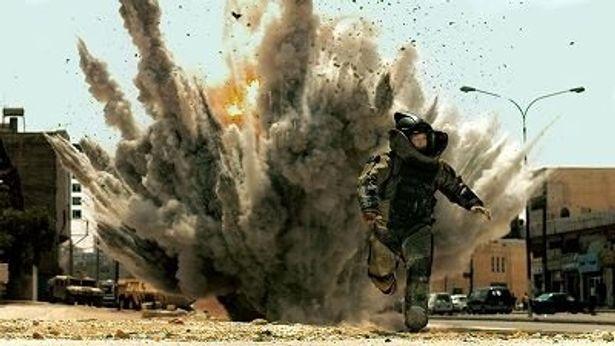 爆発物処理班のある兵士を追った物語『ハート・ロッカー』