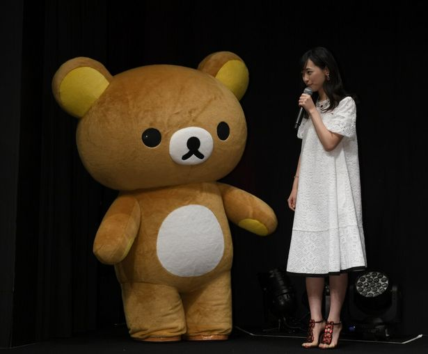 【写真を見る】もはや、かわいさがインフレ状態!リラックマと福原さんのツーショット、他イベント写真もこちらから