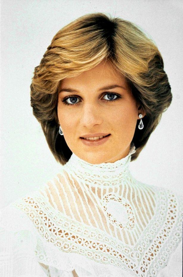 故ダイアナ妃、チャールズ皇太子とカミラ夫人の不倫電話を聞いていた