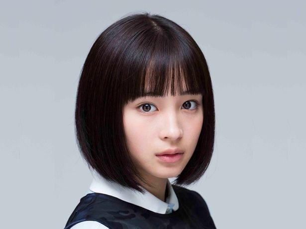 女優・広瀬すずがLINE LIVE「広瀬すずチャンネル」で浴衣姿を披露