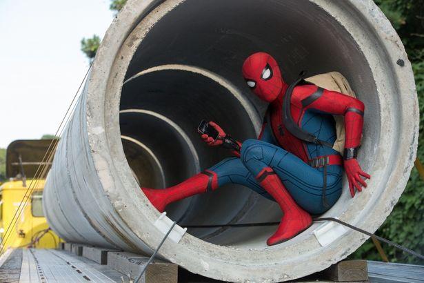 今度のスパイダーマンは、オタかっこいい!?