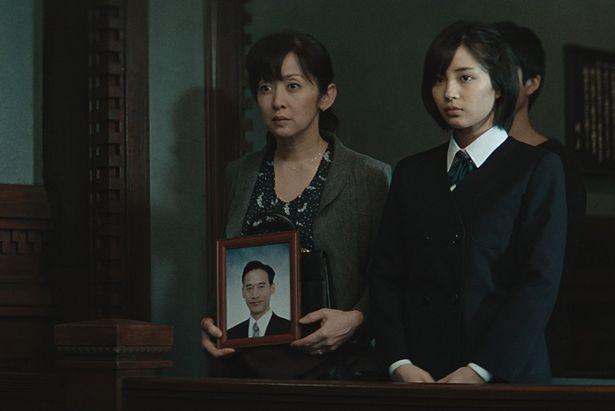 【写真を見る】斉藤由貴と広瀬が母子役で共演