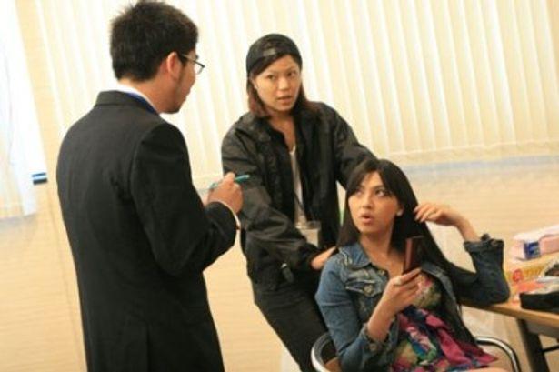 シリーズ第2弾となる今作には、人気セクシー女優・原紗央莉も出演