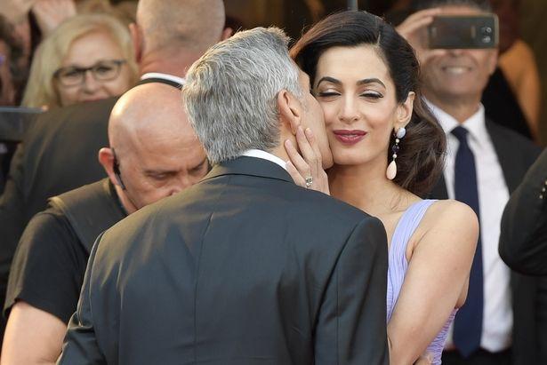 ジョージからの熱烈なキス!