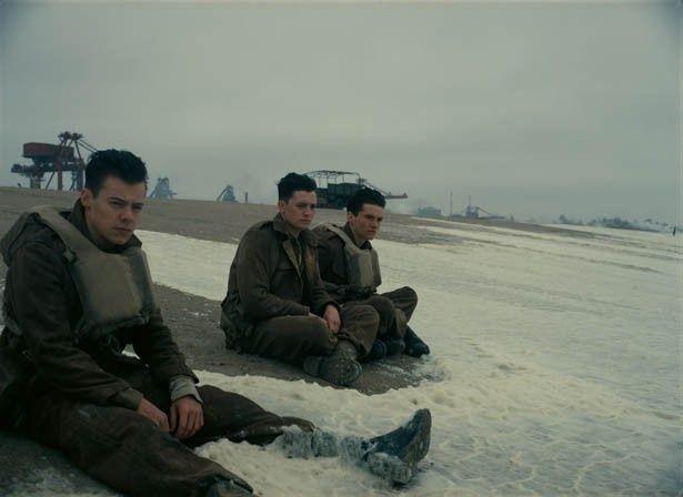 【写真を見る】ハリー・スタイルズが映画デビュー!フレッシュな若手俳優たちにも注目だ
