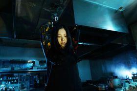 虚ろな目に恍惚とした表情…殺人犯役、吉高由里子の狂気的な演技にゾクリ