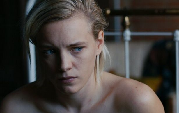 ユニセックスなルックスで、女性からも熱い視線を集めるエリカ