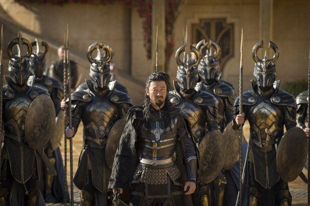 前2作に続いて、浅野忠信がアズガルドの戦士・ホーガンを演じる