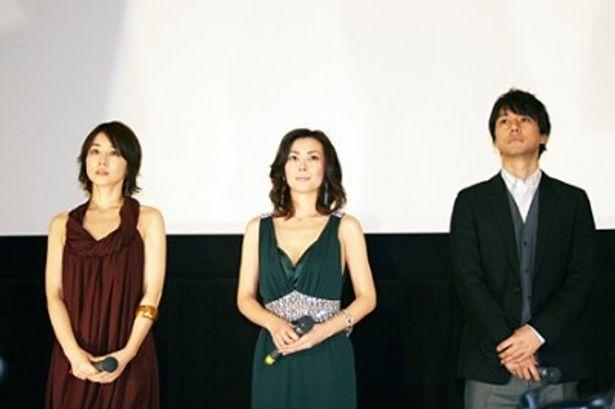 映画「サヨナライツカ」では3角関係の役柄となる石田ゆり子、中山美穂、西島秀俊(写真左から)