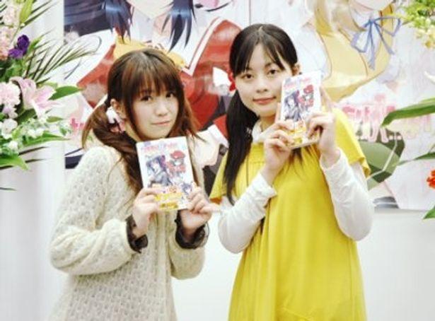 イベントにシークレットゲストとして登場した野水伊織と本多真梨子(写真左から)