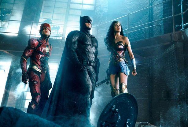 地球の危機に超人たちが立ち上がる!