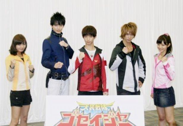 制作発表会見に登場したにわみきほ、小野健斗、千葉雄大、浜尾京介、さとう里香(写真左から)