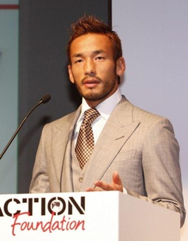 2月20日(土)に行われる「湘南ベルマーレJI昇格記念試合」でオリジナルグッズを販売。その収益の一部をハイチ復興支援のために寄付することを明らかにした中田英寿さん