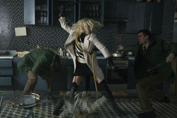 華麗なアクション満載!『アトミック・ブロンド』劇中映像が到着!