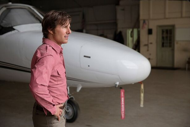 『バリー・シール~』でパイロットからCIAエージェントに転身し、麻薬の運び屋として荒稼ぎした実在の男を演じるトム