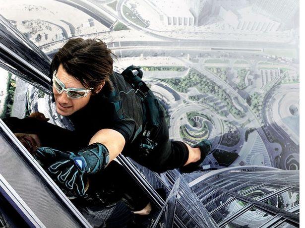 『~ゴースト・プロトコル』では、地上828メートルの超高層ビル、ブルジュ・ハリファに張り付く!