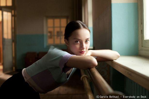 本作で映画デビューを果たした、天使のような美貌のアナスティア・シェフツォワ(ポリーナ役)