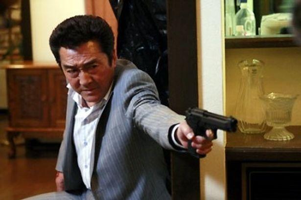松方弘樹がハードボイルドな主人公を熱演!