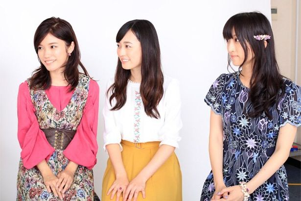 (左から)美山加恋、福原遥、藤田咲らが好きな映画、映画鑑賞のスタイルを語り合う