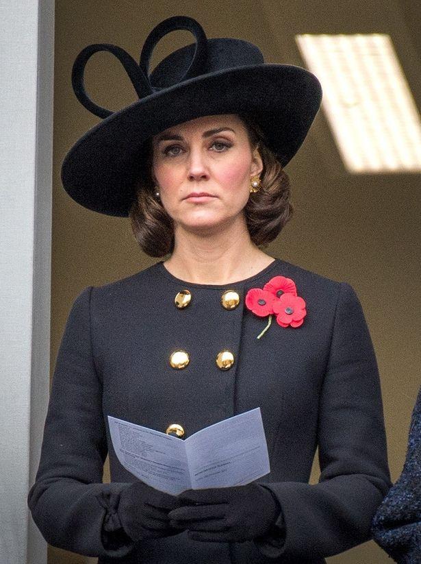 妊娠中のキャサリン妃が戦没者追悼式典に出席