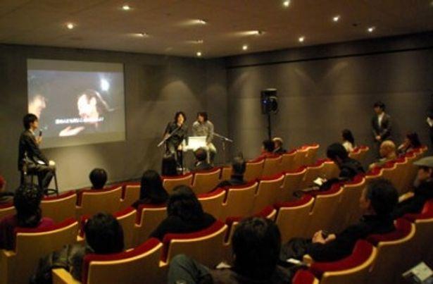 【写真】アップルストア銀座のイベントにて、海外映画祭の実情を詳しく語る監督たち