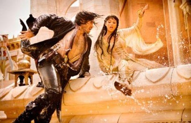 本作『プリンス・オブ・ペルシャ 時間の砂』は、人気ゲームの世界観をそのままに実写映画化した超話題作