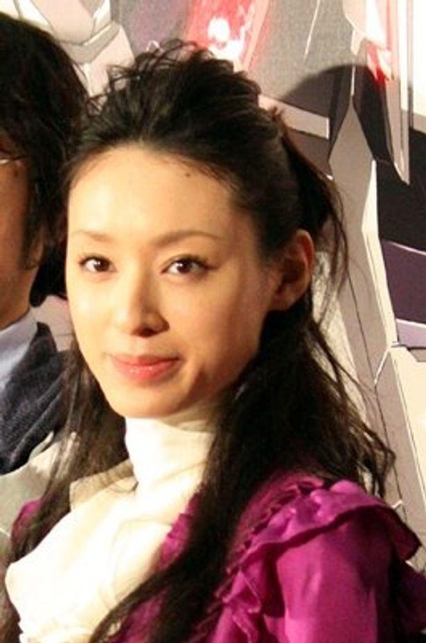 「CHiAKi KURiYAMA」として歌手デビューを果たした女優の栗山千明さん。デビュー曲「流星のナミダ」は「機動戦士 ガンダムUC」第1話主題歌に
