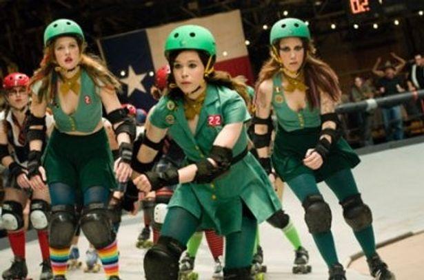 ケガ人続出の過激スポーツに、少女たちが挑む!