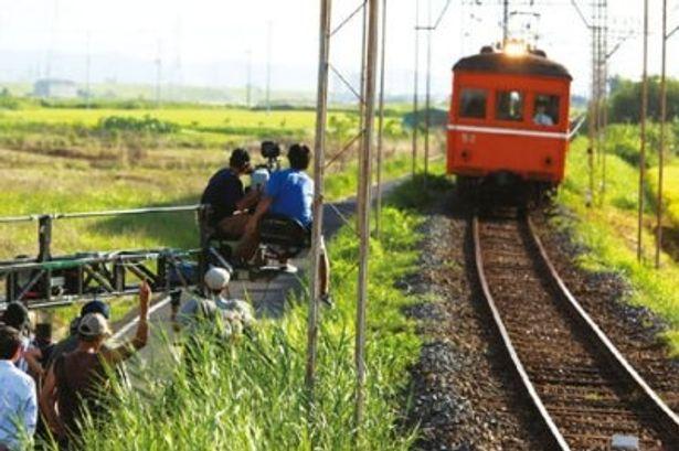 鉄道マニアにはたまらない、最古級電車デハニ50形の勇姿がスクリーンに甦る