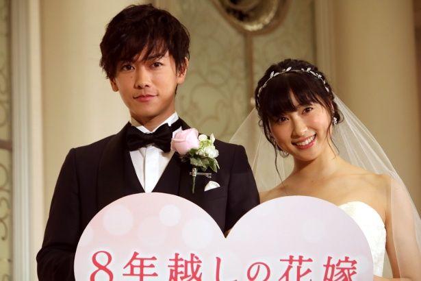 『8年越しの花嫁』で佐藤健と土屋太鳳がウエディングの装い