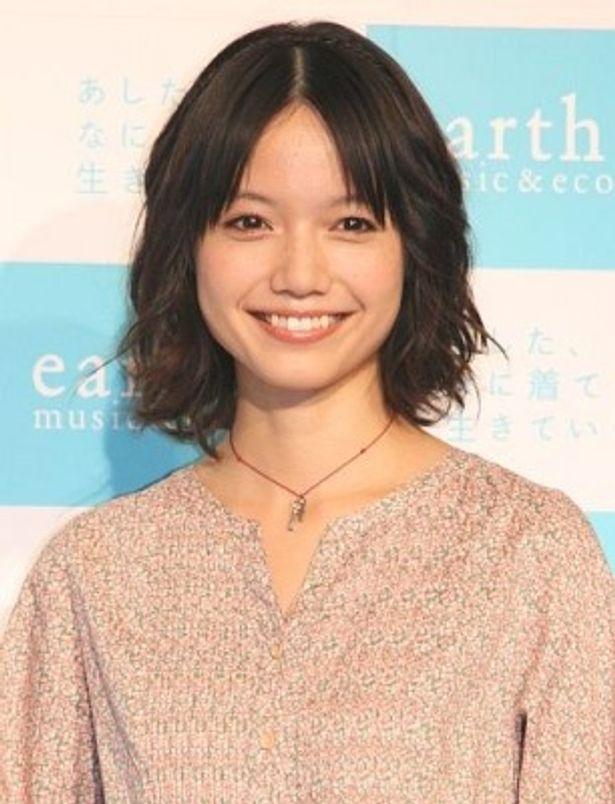 「earth music&ecology」の2010spring新CM発表会に登場した宮崎あおいさん