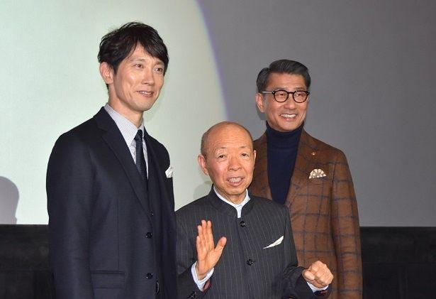 映画『嘘八百』の舞台挨拶が大阪なんばで行われた