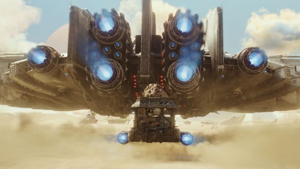 砂漠の星を飛ぶイントルーダーの雄姿は、まさにミレニアム・ファルコン的!?