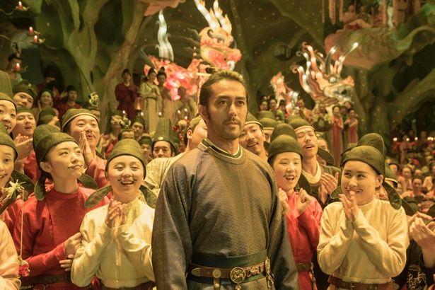 阿部は『空海―KU-KAI― 美しき王妃の謎』で阿部仲麻呂役に
