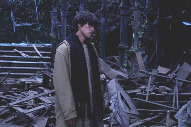 【写真を見る】失踪中の甘粕謙人を演じる『ラプラスの魔女』。どんな秘密を抱えている?