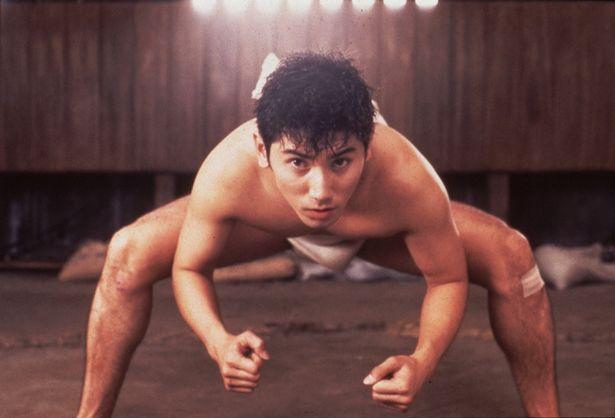 弱小相撲部が舞台の『シコふんじゃった。』