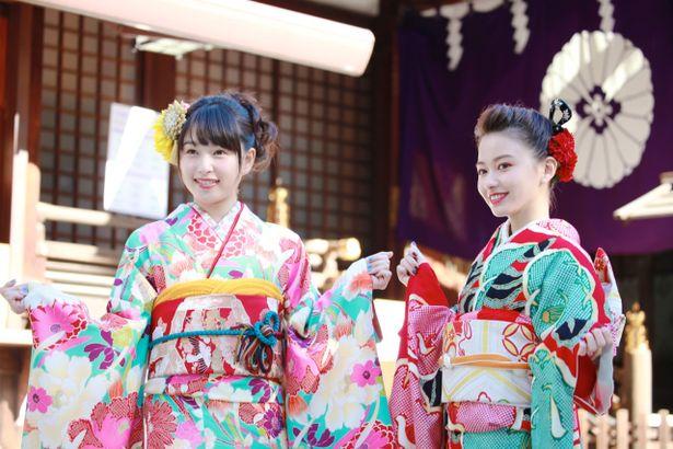 2018年に新成人の仲間入りをする女優の山本舞香(20)と桜井日奈子(20)