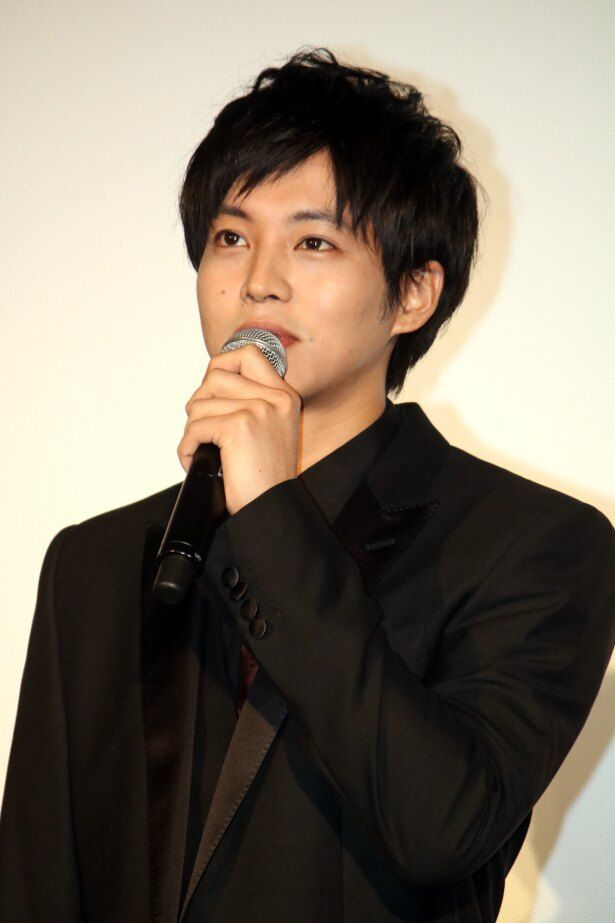 松坂桃李が『不能犯』の初日舞台挨拶に登壇