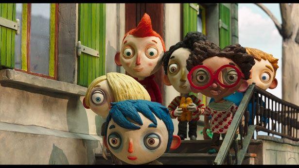 クリっとした瞳など素朴な味わいを持った人形たちがかわいい!