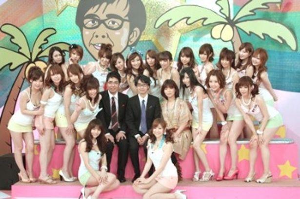 新リーダーにいきなり抜擢された麻美(写真手前右)