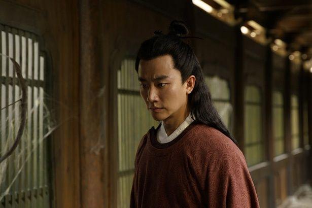 中国の若手演技派、ホアン・シュアンが若き日の天才詩人を、繊細かつ大らかな存在感をもって演じる