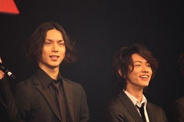 『BECK』でギターにトライした水嶋ヒロ(左)と佐藤健